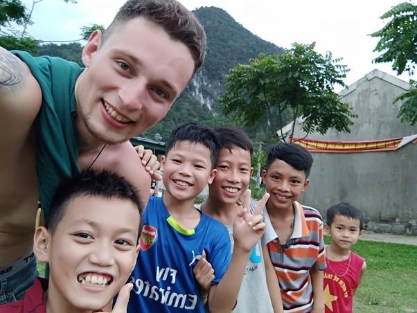 Giáo viên tiếng anh và người dân Việt Nam